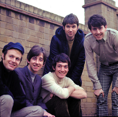 the-hollies-main-thumb-240x240-26109