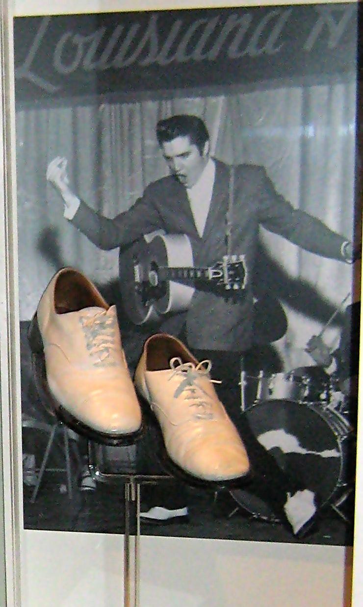 Elvis_in_Louisiana_Hayride
