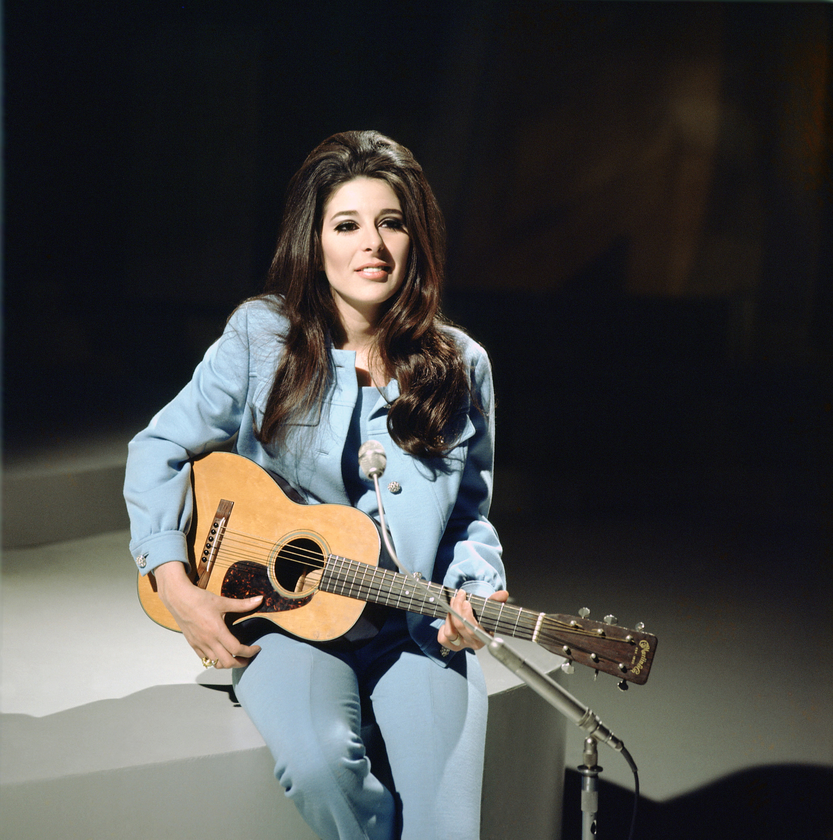 Bobbie Gentry at the BBC with her Martin guitar1968